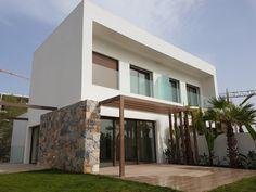 Buscá imágenes de diseños de Casas estilo mediterraneo de GESTEC. Arquitectura & Ingeniería. Encontrá las mejores fotos para inspirarte y creá tu hogar perfecto.