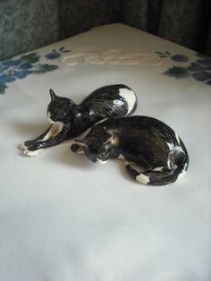 CLAIRE MC FARLANE - STUDIO POTTERY PAIR OF CATS