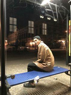 BTS's V (Taehyung) in Berlin, Germany photos with the rest of BTS V Taehyung, Jhope, Namjoon, Daegu, Foto Bts, Bts Photo, Bts 2018, Vlive Bts, Bts Bangtan Boy