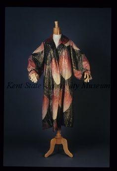 Coat (image 1) | G Fox &  Co. | American | 1920-30 | silk brocade | Kent State University Museum | Object #: 1983.001.0321