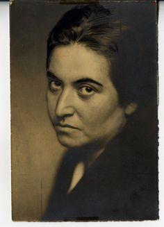 Gabriela mistral Portrait, Artist, Women, Men Portrait, Paintings, Portraits, Artists, Head Shots