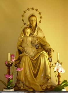 Photograph of statue of Virgin Mary Santa Maria, Divine Mother, Blessed Mother Mary, Blessed Virgin Mary, Queen Mother, Devotional Songs, Santo Rosario, Queen Of Heaven, Sacre