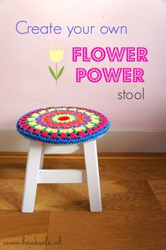 Ravelry: Flower Power Stoolcover pattern by Haaksels - Made by Marion Crochet Pouf, Crochet Dishcloths, Cute Crochet, Crochet Leaves, Crochet Flowers, Crochet Furniture, Stool Covers, Crochet Home Decor, Yarn Tail