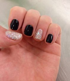 black and silver nails shine shimmer manicure