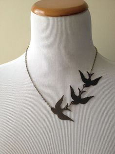 103 Book-Inspired Pieces Of Jewelry For Bookworms Divergent Bird Tattoo Halskette Fabric Jewelry, Clay Jewelry, Jewelry Crafts, Handmade Jewelry, Necklace Tattoo, Bird Necklace, Crochet Necklace, Leather Necklace, Leather Jewelry