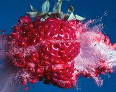 Moment of Impact Photography --- High Speed Photography Alan Sailer is a photographer who specializes in blowing things up . By using bullets and high speed photographic techniques he captures some amazing images. High Speed Photography, Fruit Photography, Artistic Photography, Amazing Photography, Splash Photography, Action Photography, Creative Photography, Photography Ideas, Frozen In Time