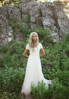 OK everyone. Let's just take a moment and talk about our beautiful Bride Sarah. When you take a gorgeous Bride like Sarah, put ...