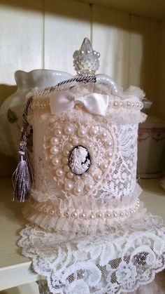 Shabby Chic Home Decor Shabby Chic Toilet, Rose Shabby Chic, Shabby Chic Storage, Shabby Chic Boxes, Shabby Chic Crafts, Shabby Chic Interiors, Shabby Chic Bedrooms, Vintage Crafts, Shabby Chic Style