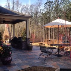 Outdoor Dinning Southern Hardscapes