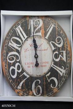 Elegantné nástenné hodiny dodajú osobitosť každej miestnosti. Štipka anglického štýlu a luxusnej exotiky sú základnými faktormi koloniálneho štýlu.