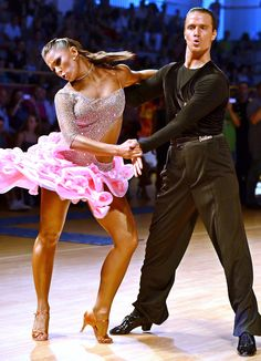 Latin-American Dance, ballroom dance, on competition Dance Images, Dance Photos, Shall We Dance, Lets Dance, Ballroom Dancing, Ballroom Dress, Dance Outfits, Cool Outfits, Learn Salsa