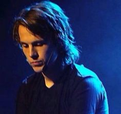 This is one of my favorite shots of him. Ylvis, Book Title, This Man, Cabaret, Comedians, Childrens Books, Music Videos, Guys, Face