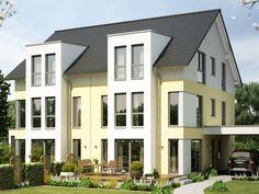 Haus SOLUTION 126 XL V3 • Effizienzhaus von Living Haus • Modernes Doppelhaus mit Satteldach und Carport • Jetzt bei Musterhaus.net informieren!