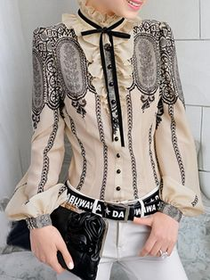 Vintage Lace Shirt with Puff Sleeves Fashion Details, Love Fashion, Fashion Art, Fashion Design, Hijab Fashion, Fashion Outfits, Fashion Tips, Fashion Trends, Latest Fashion For Women