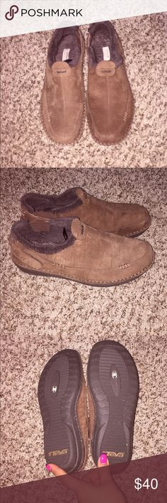 TEVA Brown Leather Faux Fur Lines Moc Booties Shoe Preowned Smoke free home , Size 9 , Barely used Wear once , They are like new u can tell them at the pictures . Price its firm . Teva Shoes Ankle Boots & Booties