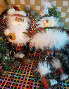 Body Parts, Merlin, Christmas Wreaths, Corner, Santa, Holiday Decor, Home Decor, Tela, Gnomes