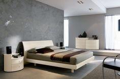 Camera da letto moderna - Camera da letto moderna con arredi laccati bianco