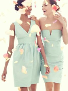 Mint green bridesmaid dresses. A perfect color for a summer wedding!