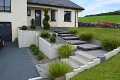 Landscape quality - Our achievements in pictures - Dombasle sur Meurthe - Garten - Awesome Garden Ideas Modern Landscaping, Front Yard Landscaping, Landscape Design, Garden Design, Modern Front Yard, Garden Tiles, Outdoor Stairs, Sloped Garden, House Entrance