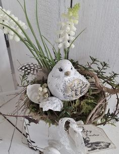 Wooden box spring pretty little bird swedenhaus Easter decoration shabby … - Diy and Crafts Mix Bird Nest Craft, Bird Crafts, Easter Crafts, Decor Crafts, Diy And Crafts, Artificial Floral Arrangements, Flower Arrangements, Egg Box Craft, Diy Spring Wreath