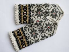 High quality hand knitted warm wool mittens , gloves patterned White , Grey flowers. $50.00, via Etsy.