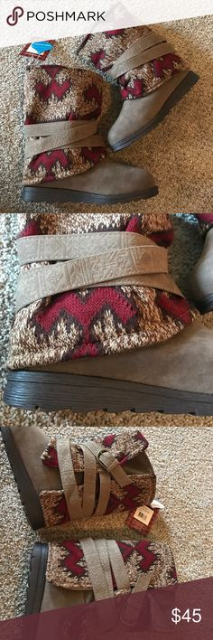 Never used nik Luks boots size 8 No box. Nwt. Never used. Big for my foot. Cute. Ask questions. Great price Muk Luks Shoes Winter & Rain Boots