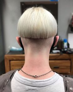 Bowl Haircuts, Haircuts For Men, Louise Brooks, Oct 30, Blunt Cuts, Bowl Cut, Undercut, Bobs, Cool Hairstyles