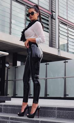Too Slick Black PU Patent Mid Rise Shiny Zip Front Faux Leather Skinny Button Pant Streetwear Legging Outfits, Wet Look Leggings, Leggings Are Not Pants, Pantalon Vinyl, Vinyl Leggings, Vinyl Dress, Latex Pants, Femmes Les Plus Sexy, Elegantes Outfit