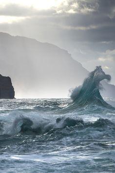 lsleofskye:  _Na Pali Coast Line, Kauai_