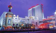 In Atlantic City scheint die Pleitewelle Einzug gehalten zu haben. Vor Ort befindet sich zahlreiche, bekannte Casinos, die ihre glamouröse Zeit jedoch heute hinter sich zu haben scheinen.