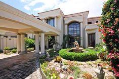 Golf Tips Left Handers Key: 3965204755 Family Tv, Tuscan House, Entrance Hall, Real Estate Companies, Open Plan Living, Villa, Fails, Golf Tips, Mansions