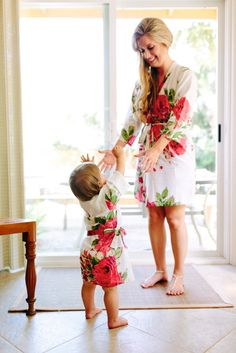 Matching robes for both the flower girl and the bride from @robesilkandmore