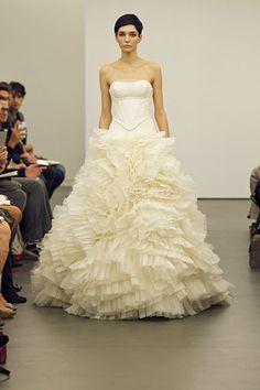Taylor Made Soirées: Vera Wang ~ Fall 2013 Wedding Dresses 2014, Designer Wedding Dresses, Bridal Dresses, Wedding Gowns, Dresses 2013, Wedding Tux, Wedding Attire, Wedding Cake, Dream Wedding