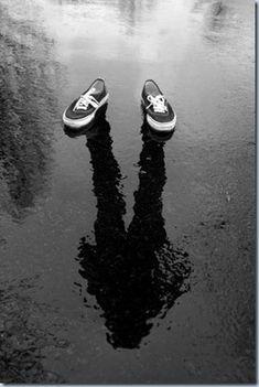 mala #sombra http://quienmotivaalmotivador.blogspot.com.es/2012/09/emocionesla-sombra-y-la-luz.html