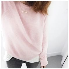 Pink cashmere and grey jeans Audrey Lombard Instagram