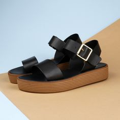 Set the trends high with the Lipstik 'Magnet' flatform sandal. http://www.shoeconnection.co.nz/products/LSYYMR5Y2AA