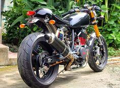 Yamaha SR Cafe Racer