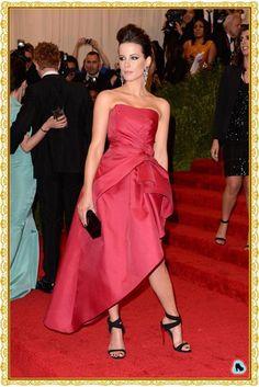 Kate Beckinsale (Alberta Ferretti) Met Gala 2013 red carpet
