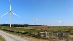 Le energie rinnovabili hanno triplicato la loro capacità e finalmente superano i combustibili fossili anche nel Regno Unito.