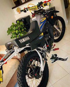 Yamaha 125, Motos Yamaha, Yamaha Bikes, Suzuki Ts125, Yamaha Motocross, Cool Dirt Bikes, Tracker Motorcycle, Biker Boys, Dirtbikes