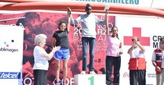 Keniata Joseph Kibiwott Ngetich ganador de la carrera de la Cruz Roja Mexicana