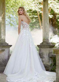 Wedding Dresses For Curvy Women, Wedding Dresses Photos, Wedding Dress Sizes, Wedding Dress Sleeves, Perfect Wedding Dress, White Wedding Dresses, Bridal Wedding Dresses, Designer Wedding Dresses, Lace Wedding