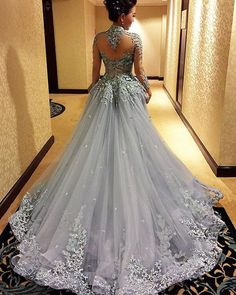 Beautiful lace wedding dressesembroidered specia lwedding dress
