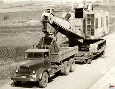 Oldtime Heavy Haulage Antique Trucks, Antique Tractors, Old Tractors, Vintage Trucks, Cool Trucks, Big Trucks, Mack Trucks, Train Pictures, Cool Pictures