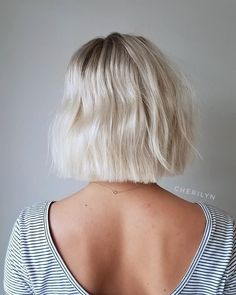 Classic Brunette Balayage - 20 Inspirational Long Choppy Bob Hairstyles - The Trending Hairstyle Messy Bob Hairstyles, Hairstyles Over 50, Trending Hairstyles, Hairstyles Haircuts, Hairstyles Pictures, Baddie Hairstyles, Bob Short, Short Thin Hair, Short Blunt Haircut
