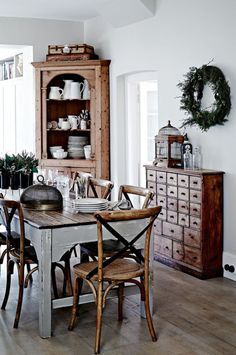 24 Lasting Farmhouse Dining Room Decor Ideas
