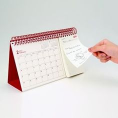 2013 goo Calendar Month amp Day Calendar by Katsumi Tamura - Dıy Desk vintage Ideen Desk Calender, Calendar Journal, Desktop Calendar, Print Calendar, Table Calendar Design, Calendar Layout, Photo Calendar, Diy Kalender, Kalender Design