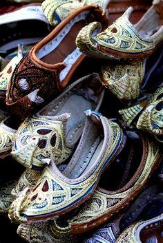 aladdin slipper