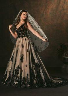 Goth Wedding Dresses, Halloween Wedding Dresses, Black Wedding Gowns, Halloween Weddings, Black Weddings, Classy Halloween Wedding, October Wedding Dresses, Halloween Bride, Black Red Wedding