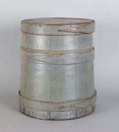 Early painted firkin Churning Butter, Paint Buckets, Water Bucket, Art Populaire, Old Boxes, Smoky Mountain, Country Primitive, Barrels, White Decor